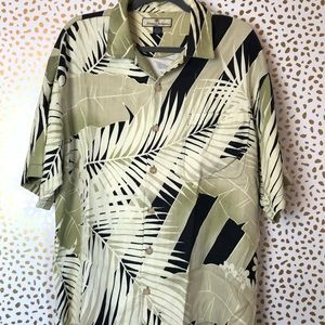 Tommy Bahama Large Silk Green Black Button Up EUC